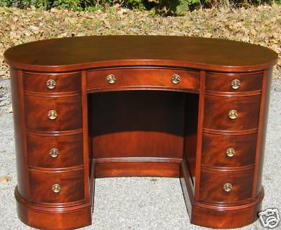 1940s MAHOGANY SLIGH FURNITURE KIDNEY SHAPED DESK -- Antique Price Guide  Details Page - 1940s MAHOGANY SLIGH FURNITURE KIDNEY SHAPED DESK -- Antique Price