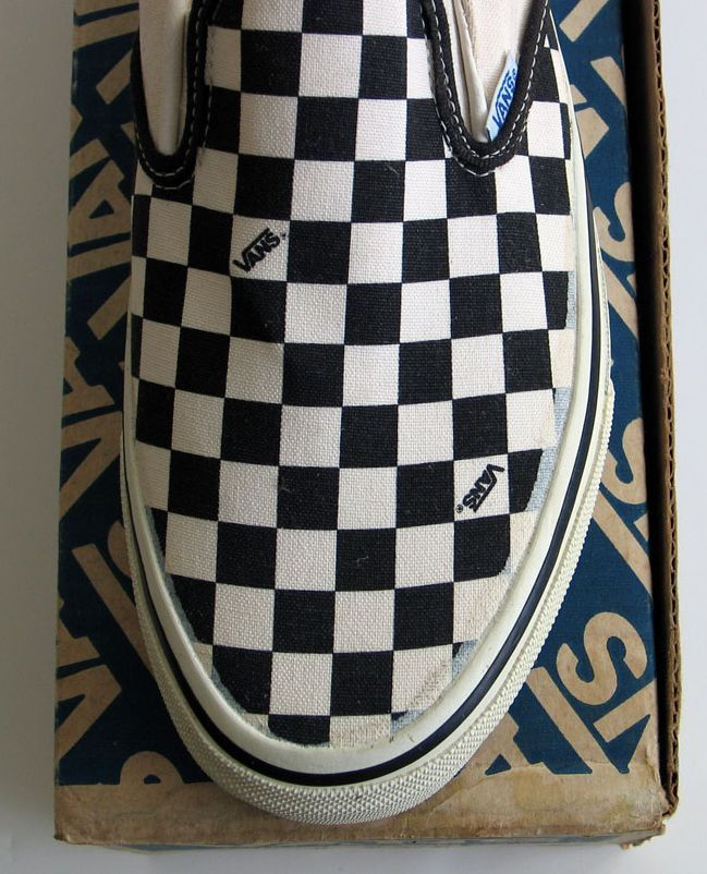 vans authentic retro checkerboard
