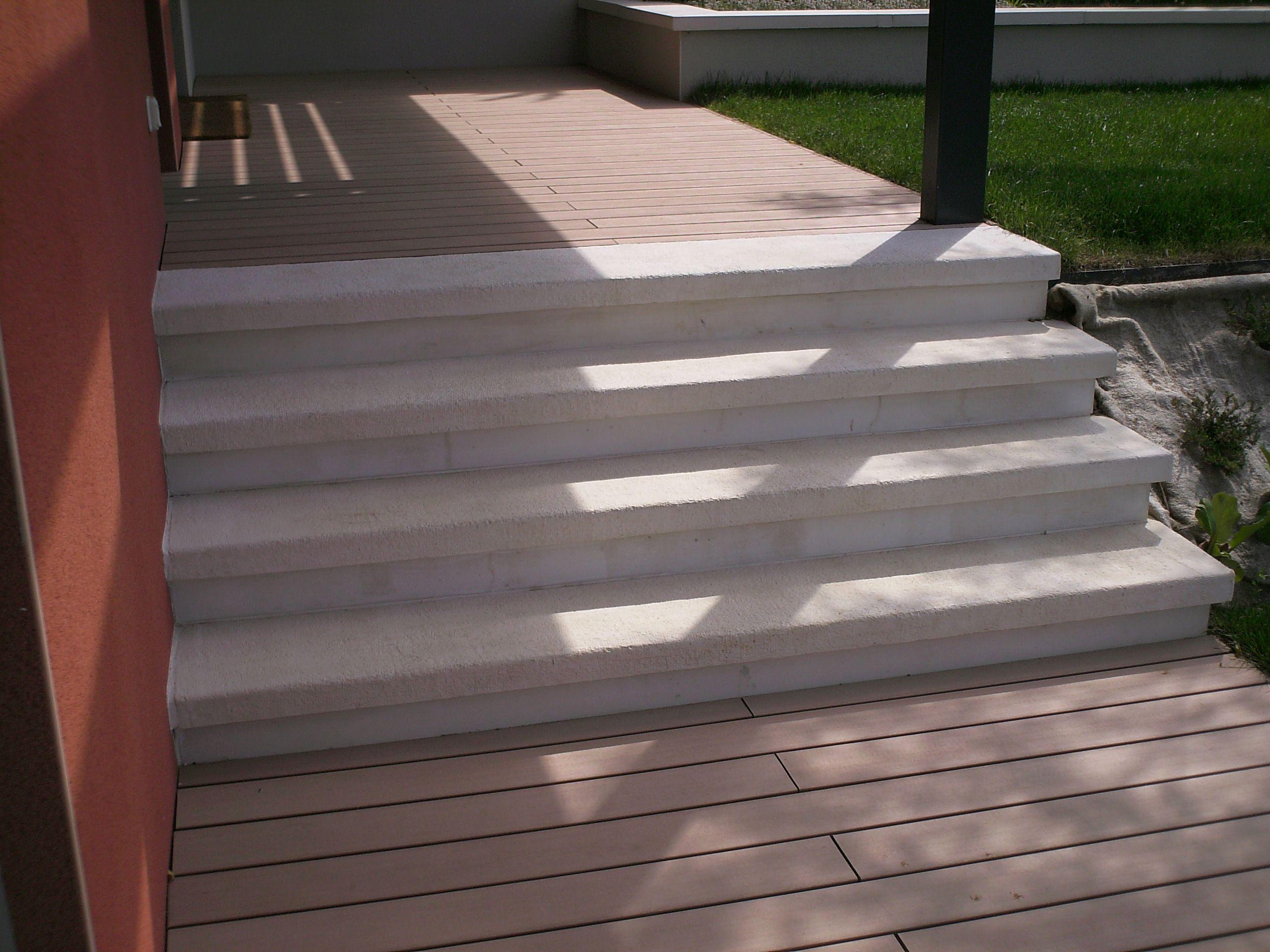 Marche Escalier Plate Aspect Grenaille Antiderapant En Pierre Reconstituee Habillage Escalier Beton Prefabrique Marche Escalier