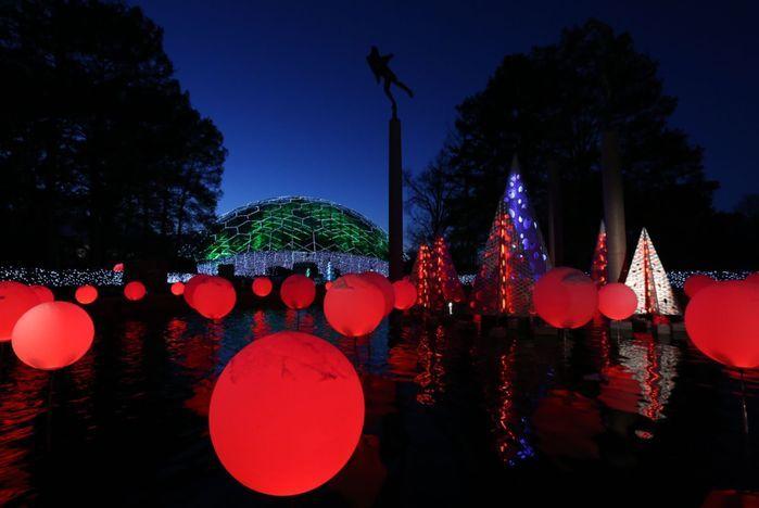 c882f97adda237e06bbecc1cd64970d3 - Botanical Gardens St Louis Light Show