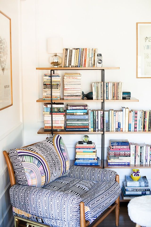 Tour A Living Room That Puts The E In Eclectic