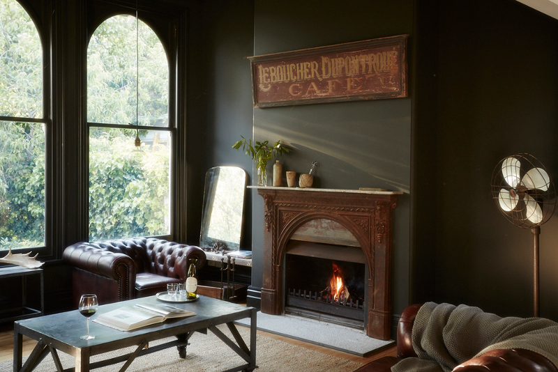 Vintage House Daylesford From Desire To Inspire Dark Interior Chesterfield Chairs Country Interior Design Dark Interiors Interior Design
