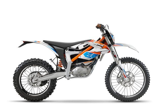 Ktm Finally Brings The Freeride E Xc To The Usa Asphalt Rubber Ktm Electric Motorcycle Freeride Bikes