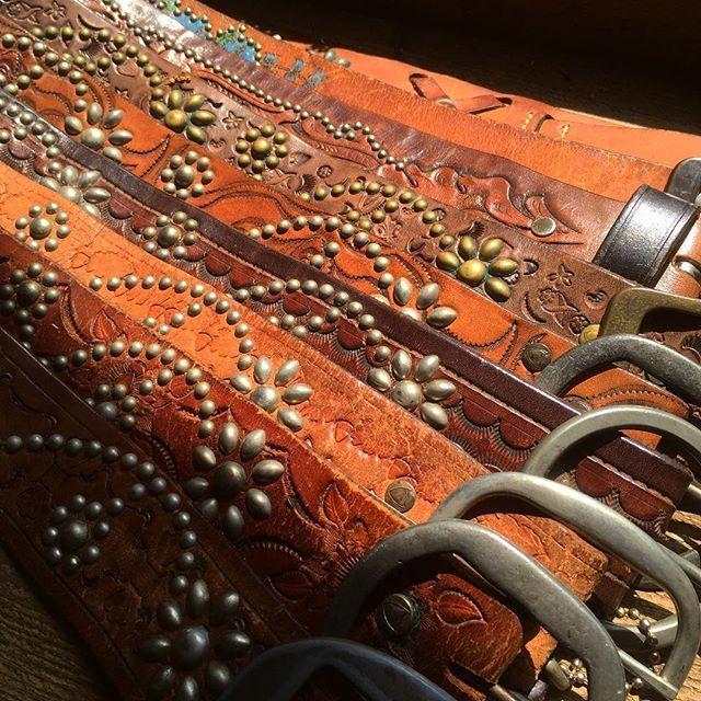 HTC STUDS BELT VINTAGE BASE.Vintage Beltにスタッズを打ち込んだ一点物になります�...