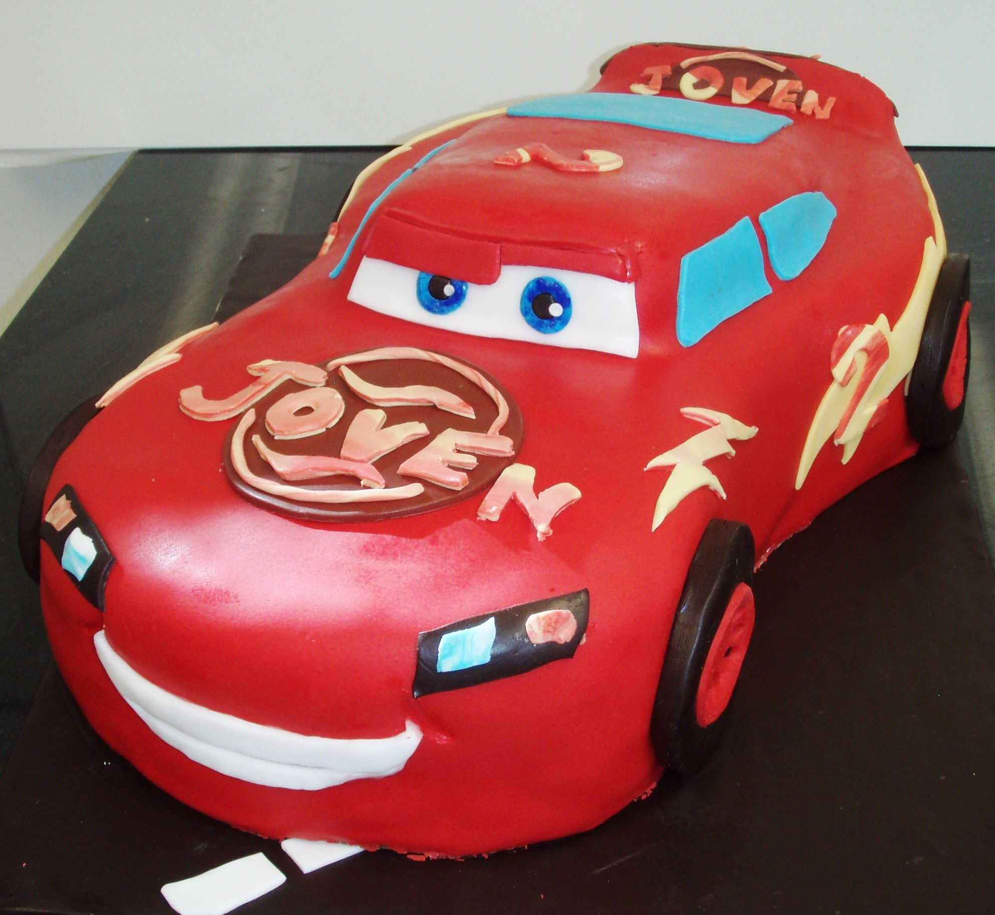 All about Cars Good looking Flash McQueen cake for a special