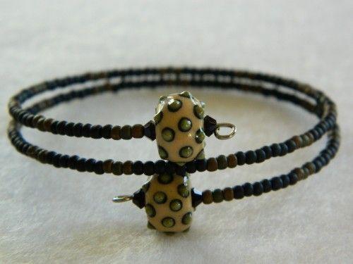 Green Polka Dot Camouflage Beaded Bracelet handcrafted clay beads https://www.facebook.com/Lundela