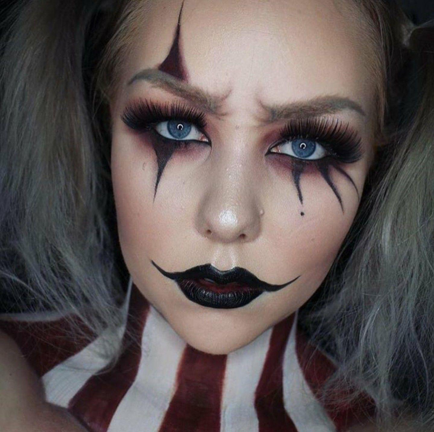 Simple clown makeup Halloween in 2019 Halloween makeup