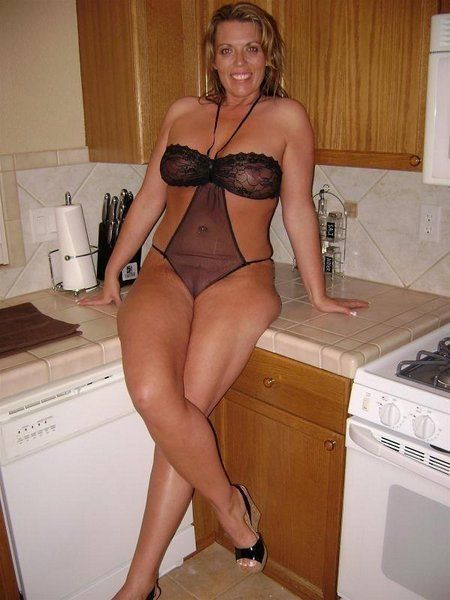 Thick thigh milfs