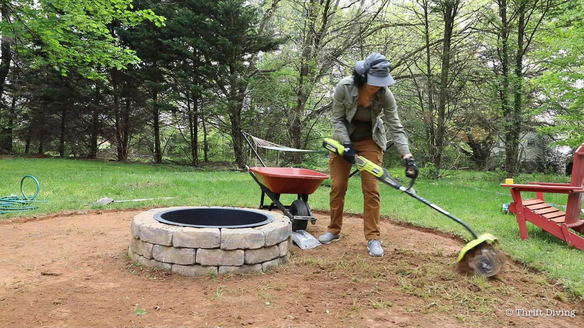 How to Build a DIY Fire Pit With Gravel and Stones | Make ...
