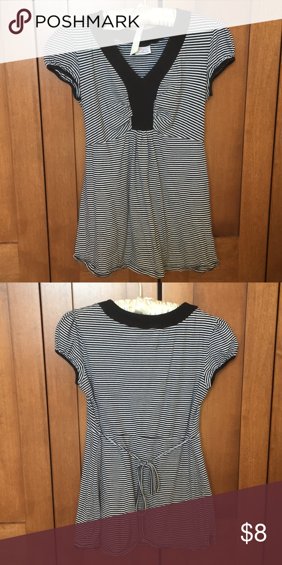 a26bf9b69a523 Oh Baby by Motherhood Top Baby doll style top. Ties in the back- good  condition Oh Baby by Motherhood Tops Blouses
