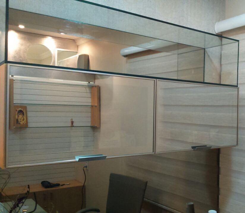Portas Basculantes Em Perfil De Aluminio Com Vidro Refletivo