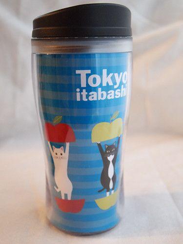 Tokyo itabshi Nyankysのタンブラー。2重構造なので保温、保冷性に優れており、フタもネジ栓式なので、飲み物がこぼれにくいです。■内容量300...|ハンドメイド、手作り、手仕事品の通販・販売・購入ならCreema。