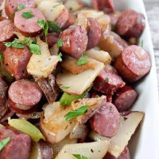 Photo of Bratwurst Potato Pan Recipe | Delicious