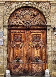 Amazing Old Door With Pretty Architecture Gorgeous Doors Door Gate Design Beautiful Doors