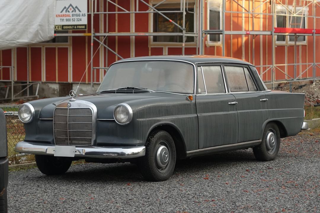MercedesBenz 190 W110 series 1 at Skien (Norway), 2020. i