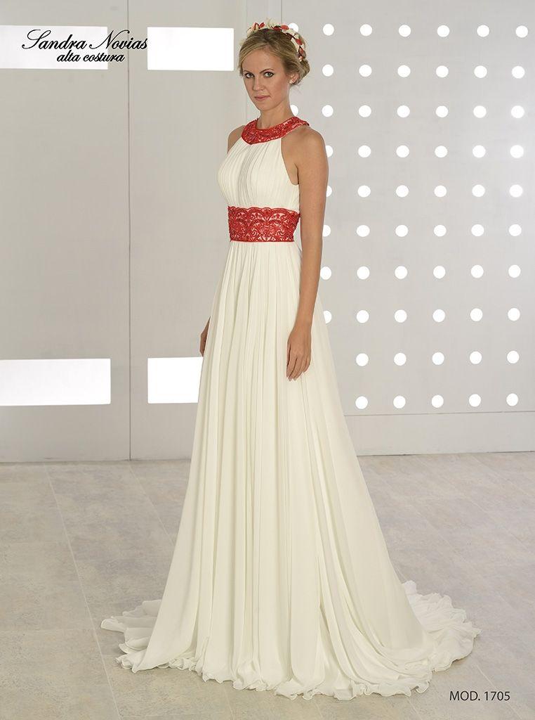 9738253620 Vestido de novia de gasa estilo griego. Escote y cintura adornados con  encaje bordado con pedreria en color rojo intenso.