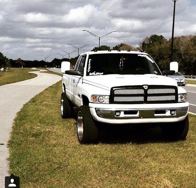 Nicest Looking Lowered 2nd Gen I Ve Ever Seen Dodge Trucks Diesel Trucks Cummins Turbo Diesel