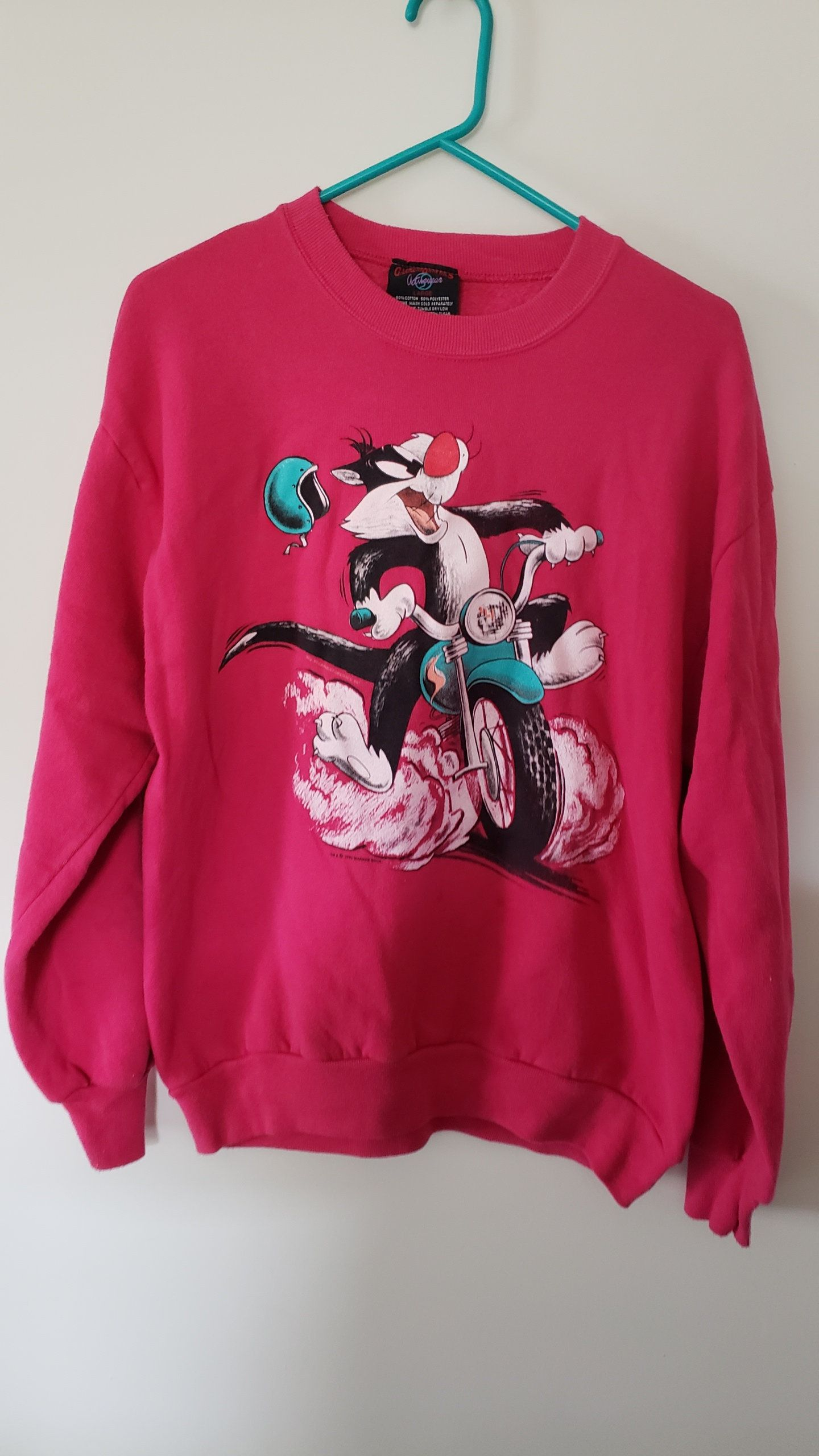 Vintage 90 s Looney Tunes Sylvester the Cat Moped Getaway Crewneck Sweatshirt  Shirt - Size Large by RackRaidersVtg on Etsy ccd7a0c84