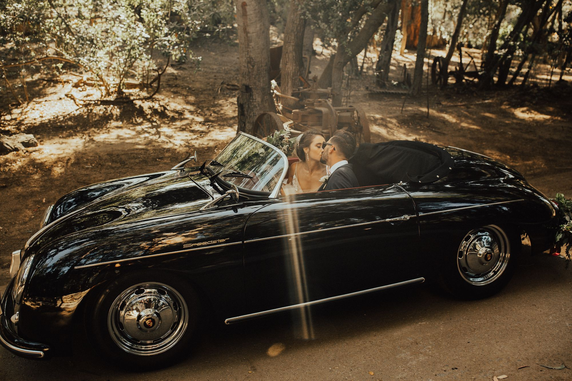 Breath Taking Wedding Photos And Timeless Classic Cars That S What Vinty Is All About Classic Cars Classic Car Rental Cars
