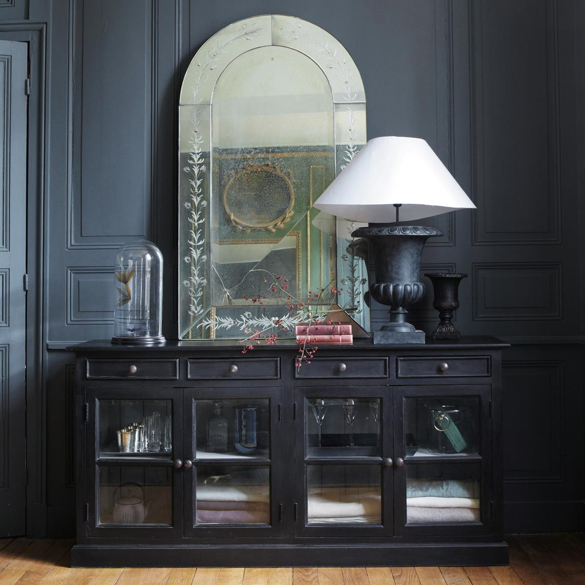 buffet vitr en manguier noir l 170 cm maison du monde le monde et monde. Black Bedroom Furniture Sets. Home Design Ideas