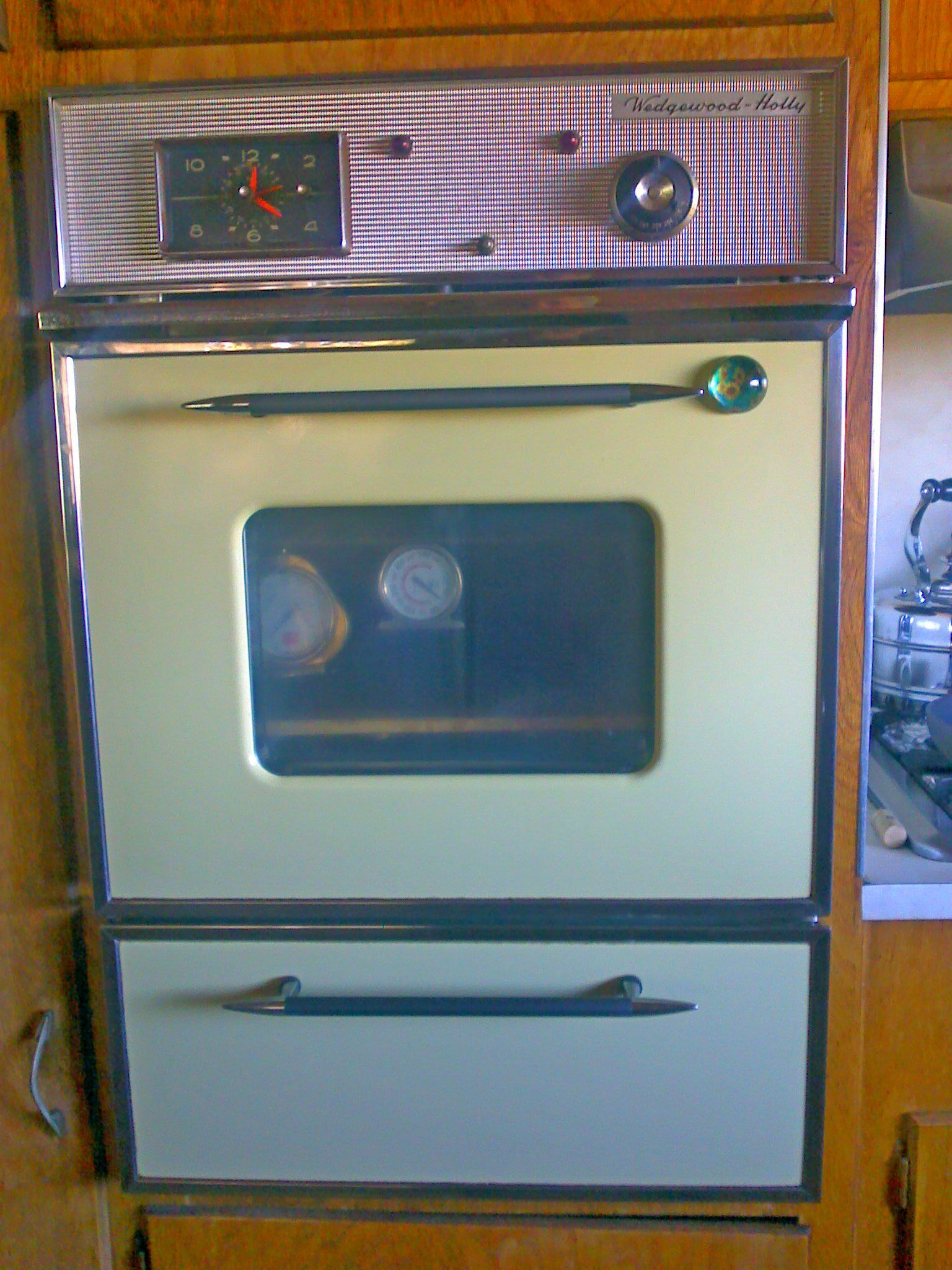Vintage Wedgewood-Holly oven in 1962 Roadliner. Works perfectly ...