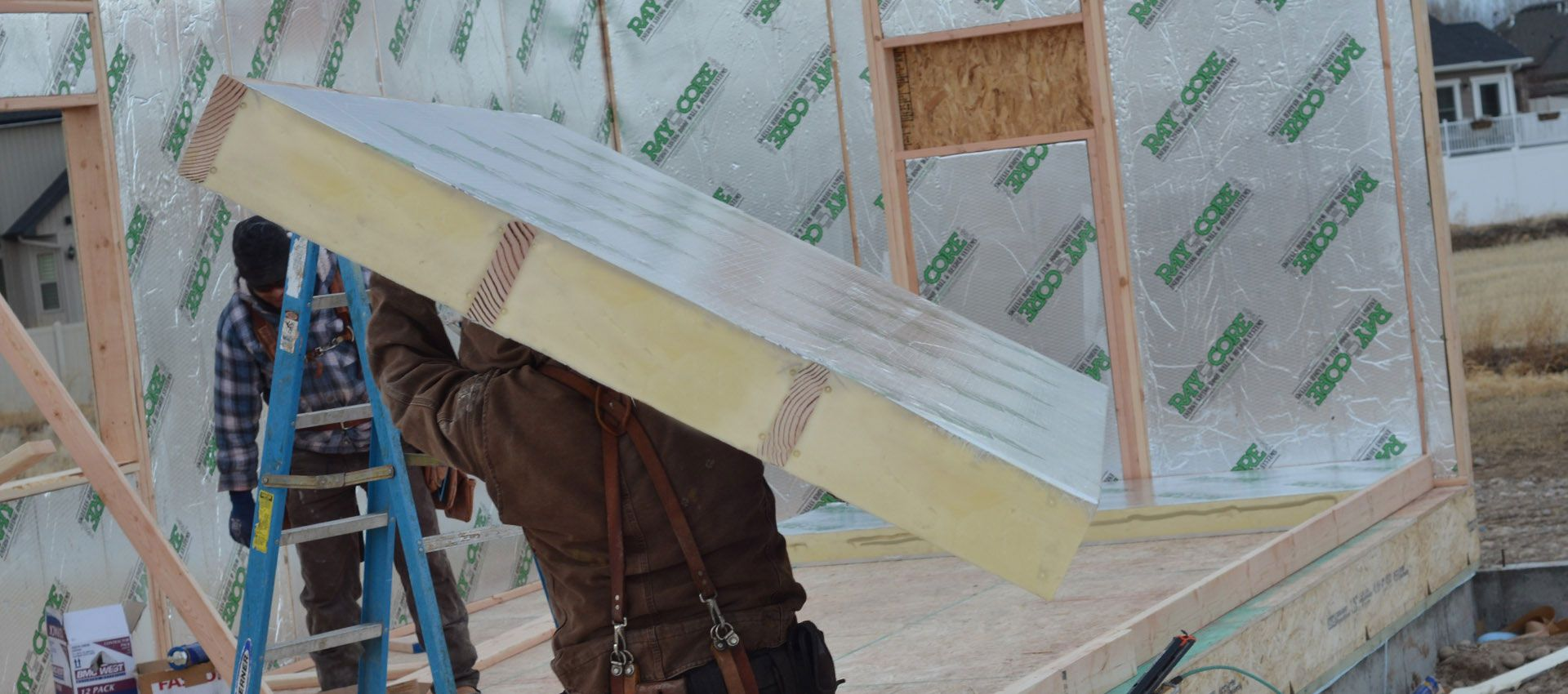 Structural Insulated Panels Sips Save Heating Cooling Costs A Better Way To Build An Super I Structural Insulated Panels Insulated Panels Home Insulation