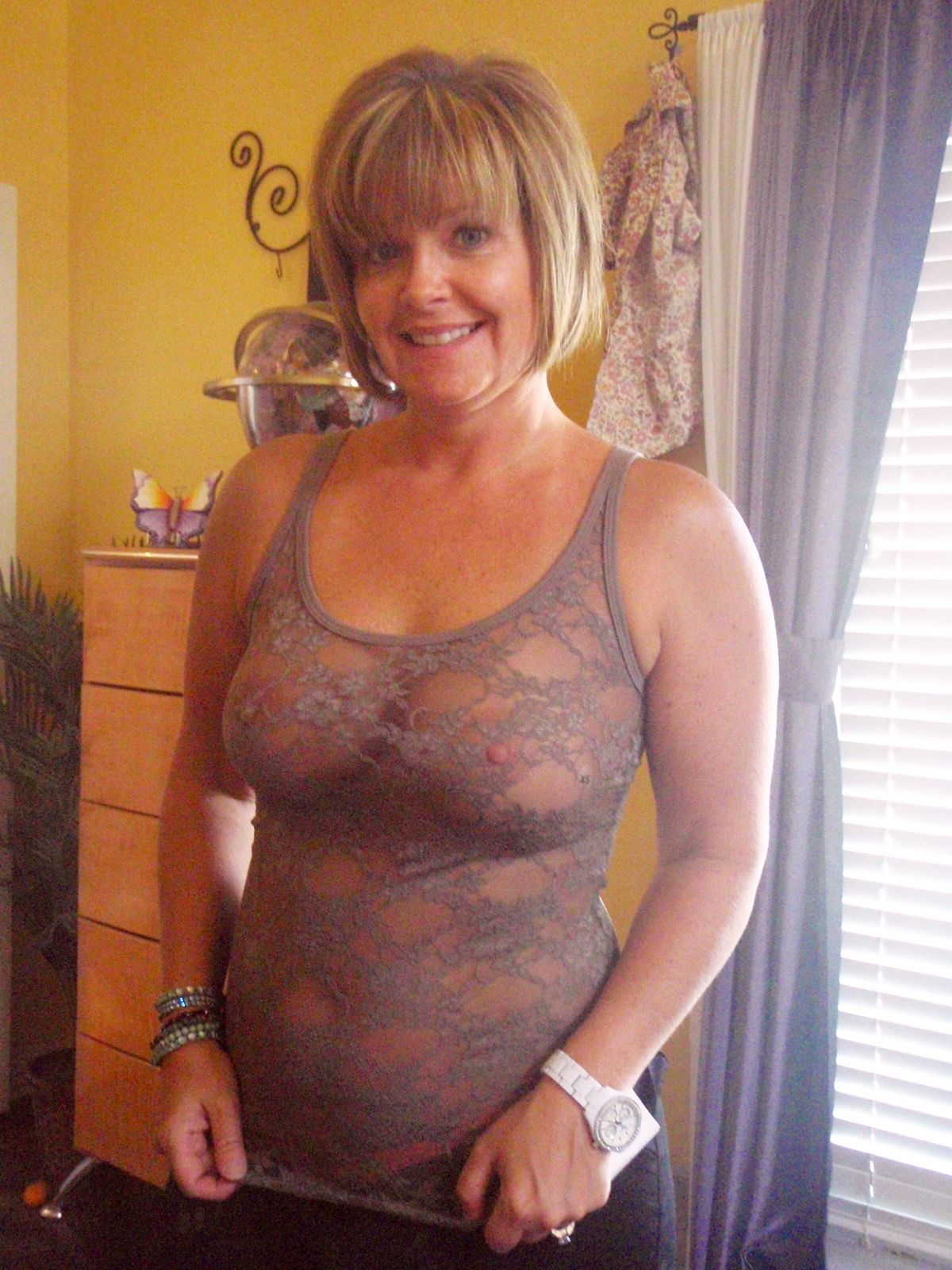grannies-pose-hot-older-cougar-see-thru-bra-pussy-drink-video