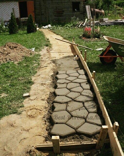 Правильный цементный раствор для дорожек фон темный бетон