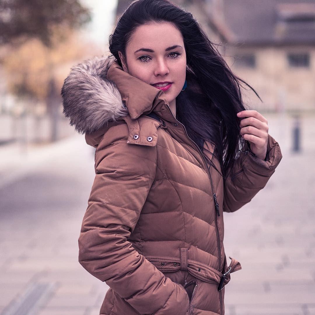Follow My Facebookpage: http://ift.tt/1OVx0Vr #portraiture #portrait #photographer #photooftheday #sonyalpha #alphaddicted #alpha7 #carlzeiss #female #model #photographer #photooftheday #cinematicportraits #availablelight #sunset #sundown #sexy #naturallight #pretty #beauty #vienna #austria #wien #fotoshooting #bokeh #bokehlicious #calvinize