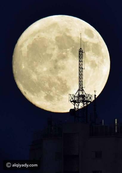أجمل صور القمر العملاق ظاهرة نادرة لم تحدث منذ 7 عقود Super Moon Shoot The Moon Beautiful Moon