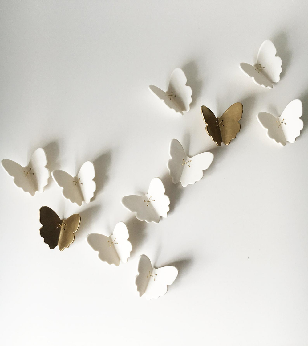 3d Butterfly Wall Art 7 Gold White Porcelain Ceramic Butterflies Wall Art Sculpture Set Of 7 Butterflies With Metal Wire 5 White 2 Gold In 2020 3d Butterfly Wall Art Butterfly Wall Butterfly Wall Art