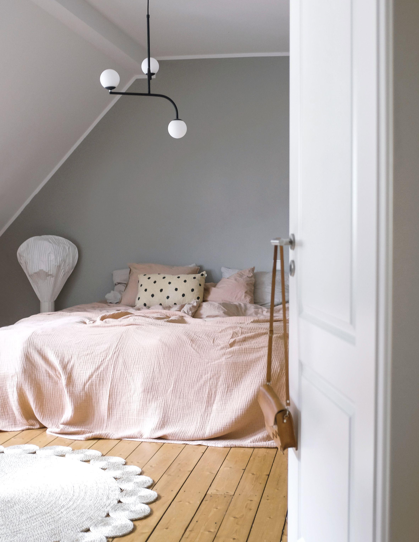 Wandfarbe Greige In Swantjes Schlafzimmer Von Www Kolorat De