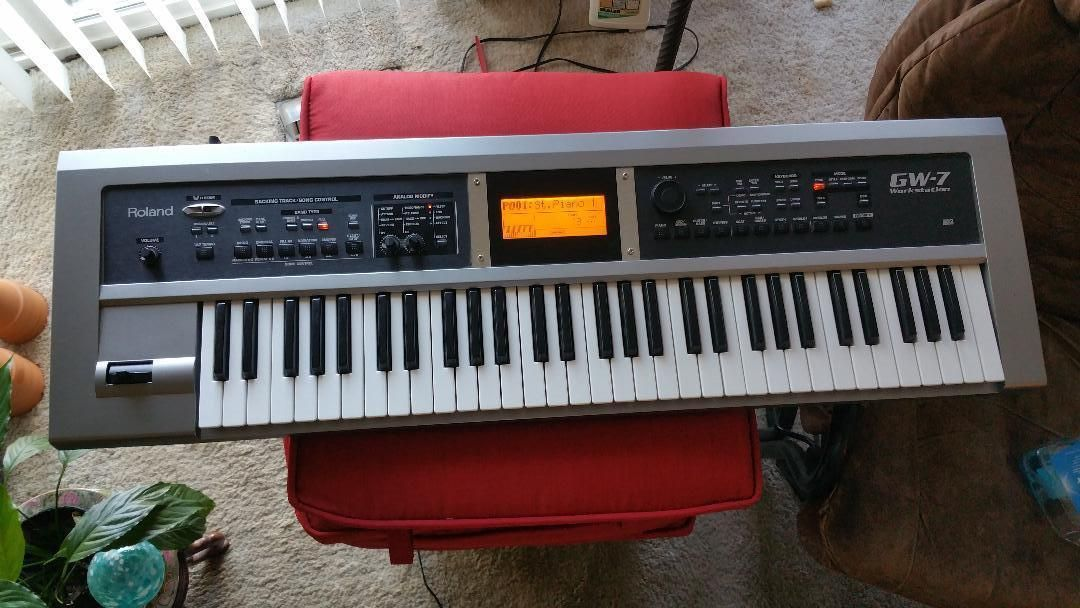 Roland GW7 Keyboard Synthesizer Workstation | Music Is Life