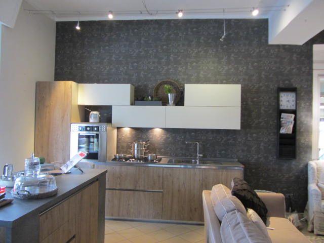 Cucina in legno grezzo nodato e laccato panna top il - Top cucina in cemento ...