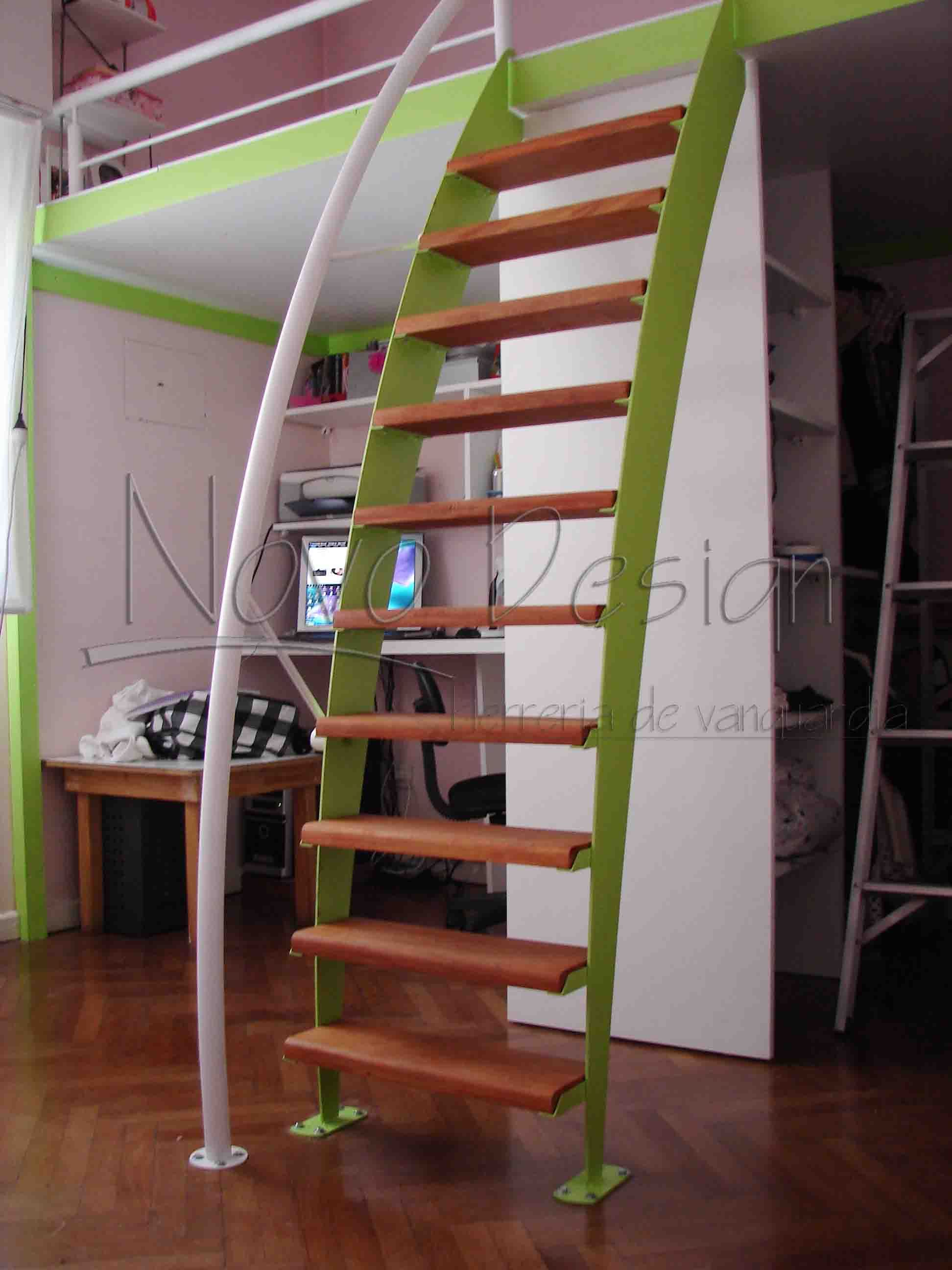 Best 25 escaleras espacios reducidos ideas on pinterest for Escalera caracol 2 pisos