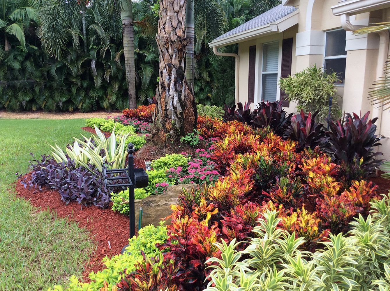 front yard landscaping design with flower bed florida on attractive tropical landscaping ideas id=96854