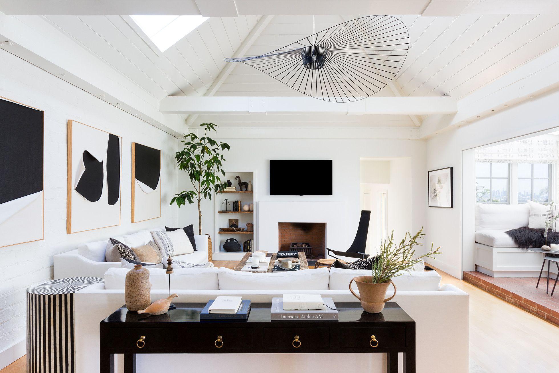 Jdp Interiors Hollywood Hills Black And White Modern Living Room