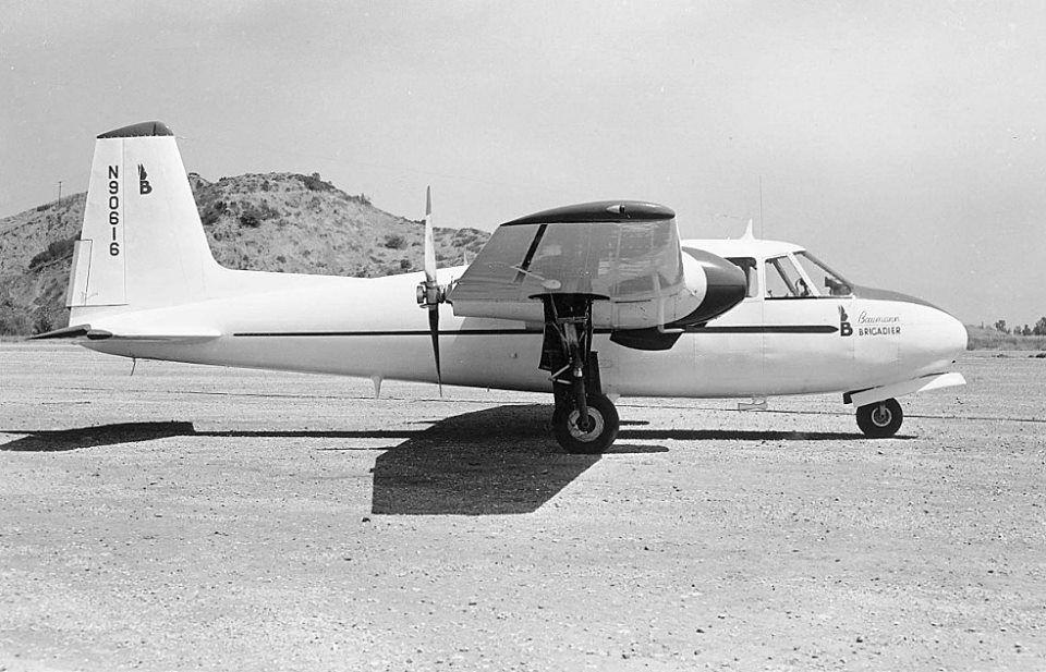 Baumann Brigadier: UN AVION CON ESTILO PERO POCO CONOCIDO  El Baumann Brigadier era un prototipo de cuatro plazas americano de transporte ligero de la década de 1940, matriculado como N90616. Fue un bimotor monoplano de ala alta que excepcionalmente tenia motores propulsores ya que existio un segundo prototipo con motores tractores. Tenia una velocidad de crucero de 165 mph. Sólo fueron construidos estos dos ya que los planes para su producción en serie nunca llegaron a tener exito.