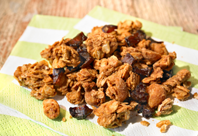 Crunchy Peanut Granola Clusters