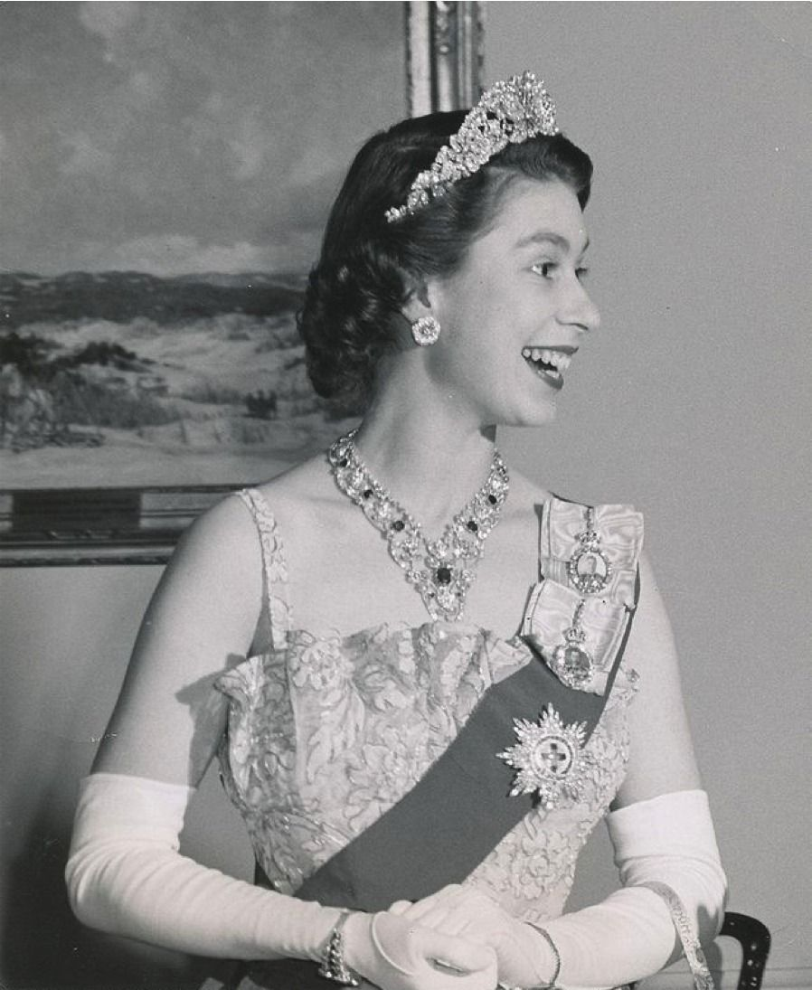Королева елизавета английская в молодости фото