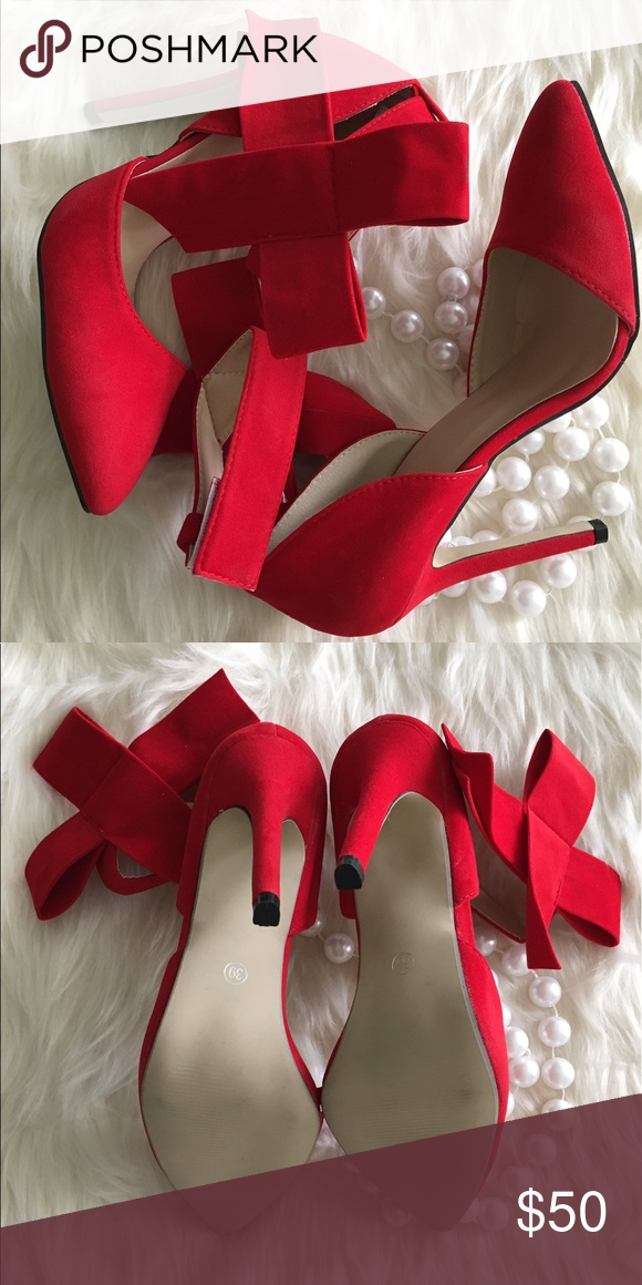 """Bow accent heels Removable bow accent. Classic lines, tapered toe. Heel: 4 1/2"""". Never worn, taken out of dust bags to photograph. Ordered for photo shoot but never used. Shoes Heels"""