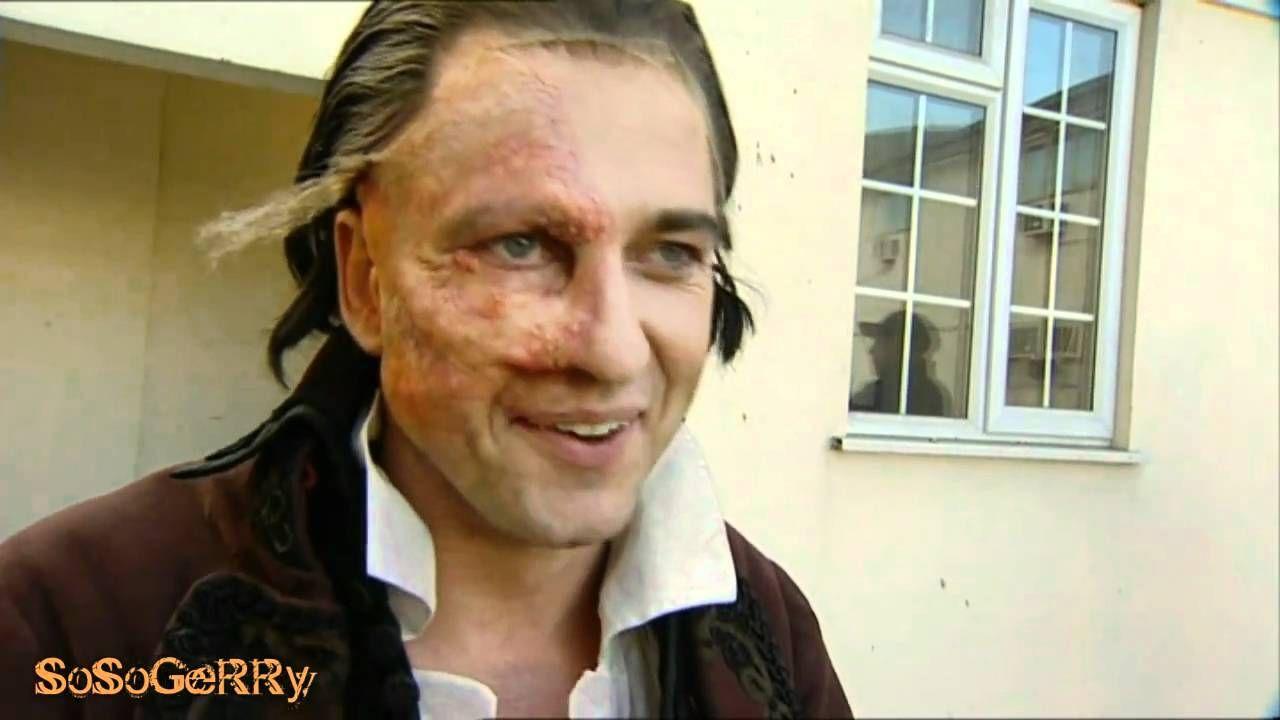 Gerard Butler Phantom S Mask Gerard Butler Phantom Of The Opera Phantom Mask