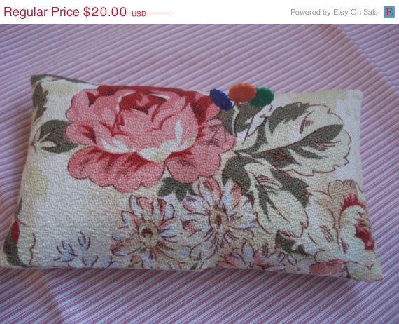 ON SALE Vintage Barkcloth Sachet Pin Cushion  by backgatecottage
