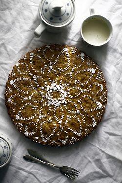 Ganbaroo loves cake