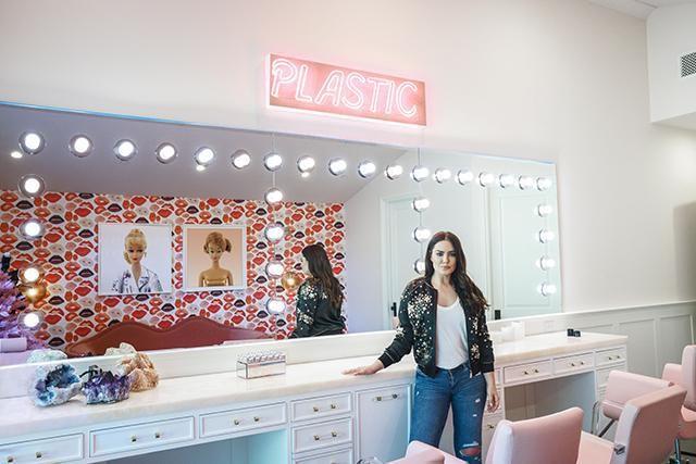 Meet Beau Dunn The Artist Inside Kylie Jenner S Glam Room