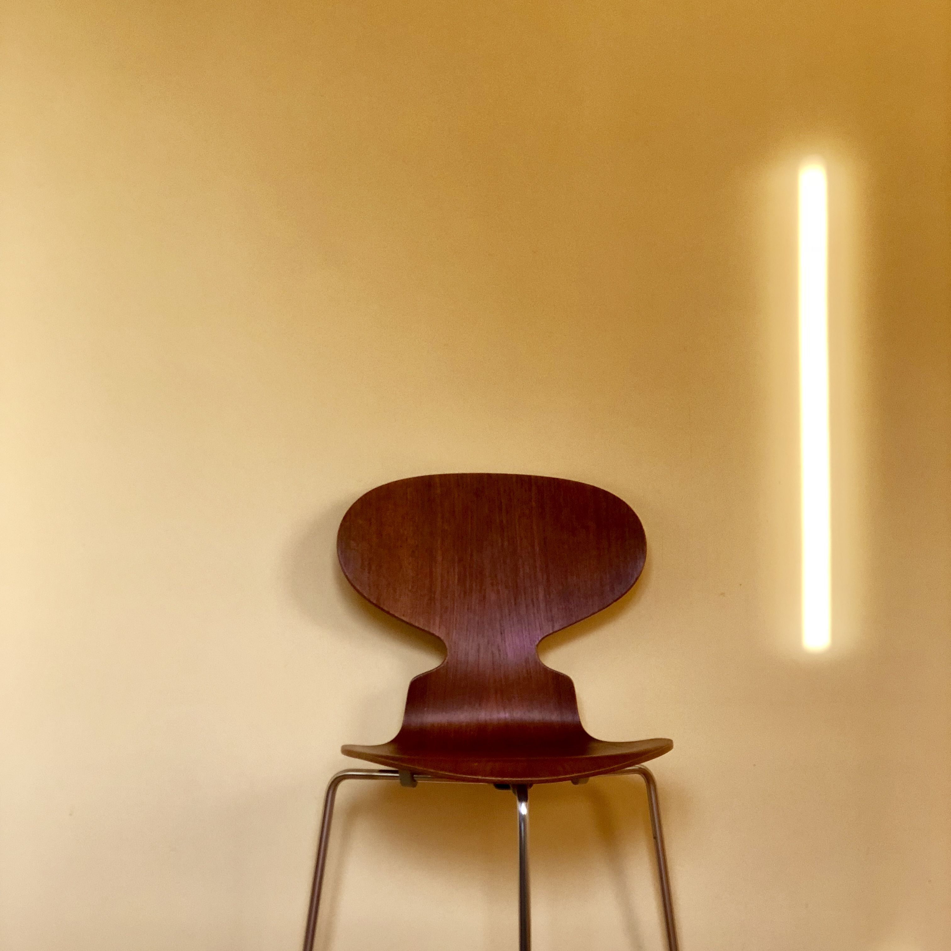 Early Ant Chair Made Of Teak With Three Legs Designed By Arne Jacobsen Stuhle Skandinavisches Design Design