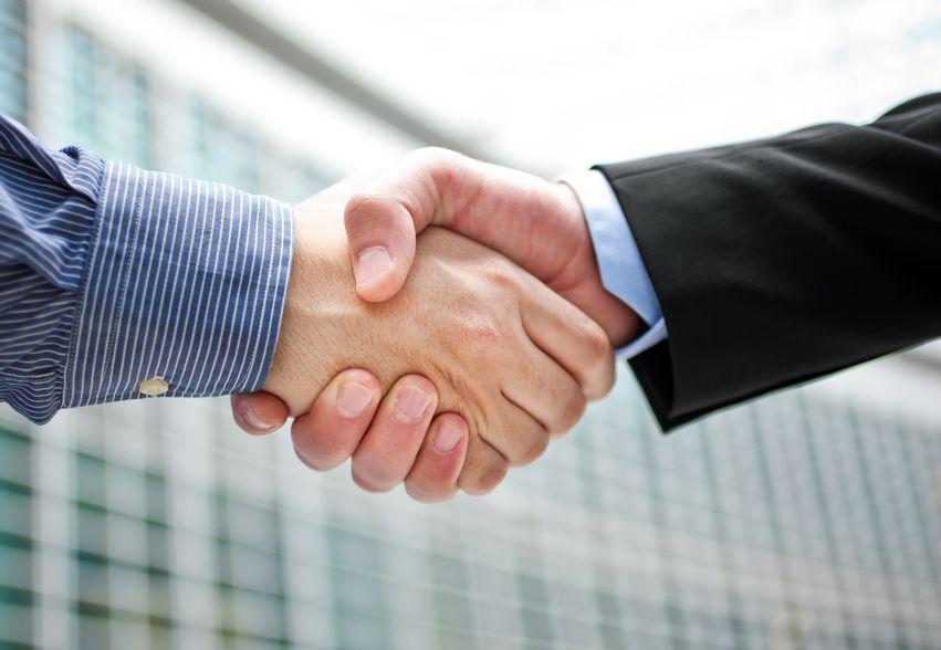 Amizade x Profissionalismo http://bit.ly/1GQ9wfd #profissionalismo #carreira10