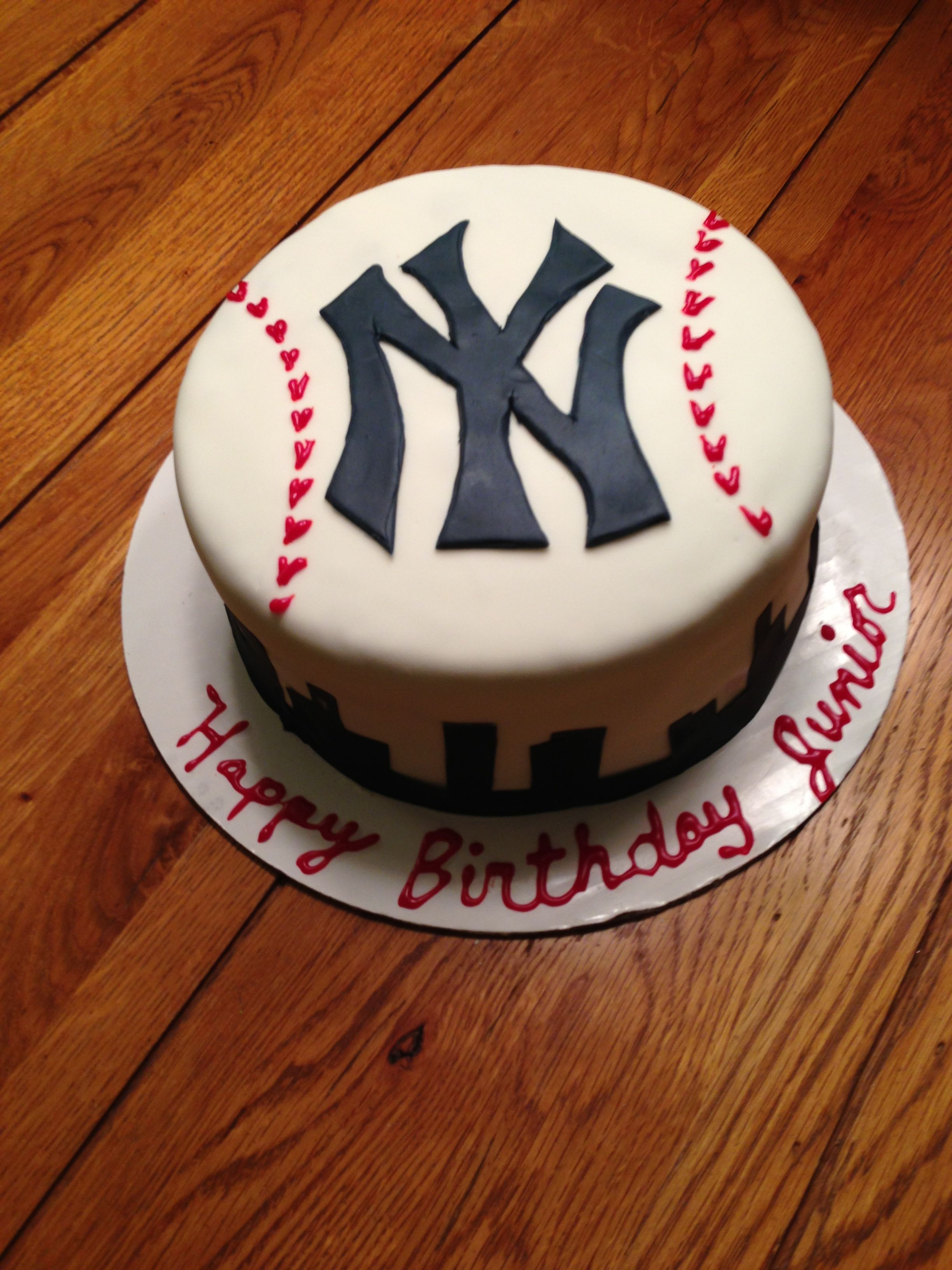 Pin By Christina Blalock On Cakes And Stuff Yankee Cake Grooms Cake Cake