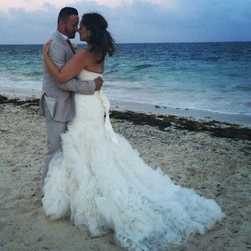 Zac Posen Lace Mermaid Gown With Organza Rosette Skirt Wedding Dress. Zac Posen Lace Mermaid Gown With Organza Rosette Skirt Wedding Dress on Tradesy Weddings (formerly Recycled Bride), the world's largest wedding marketplace. Price $725.00...Could You Get it For Less? Click Now to Find Out!