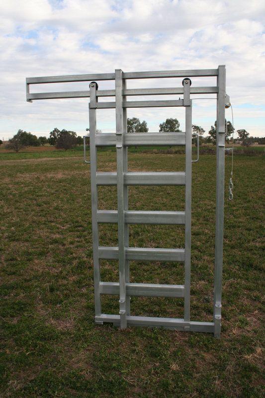 Cattle Yard Slide Gate Cattle Corrals Cattle Farming
